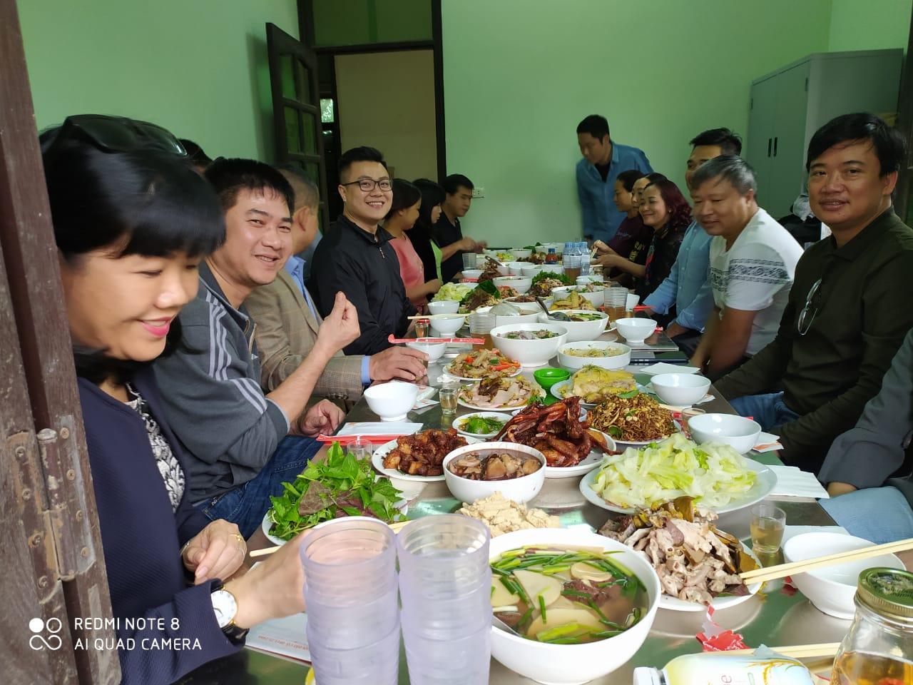 Đặt Nấu Cỗ Tại Nhà Ở Mê Linh 0386091000 Phục Vụ 8 Mâm Nhà Anh Trí