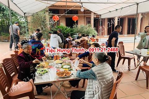 Phục vụ nhà chị Lan 10 mâm cỗ tiệc ở Thường Tín