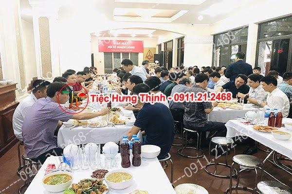 Phục vụ 20 mâm cỗ tiệc liên hoan công ty nhà chị Định ở Thanh Xuân