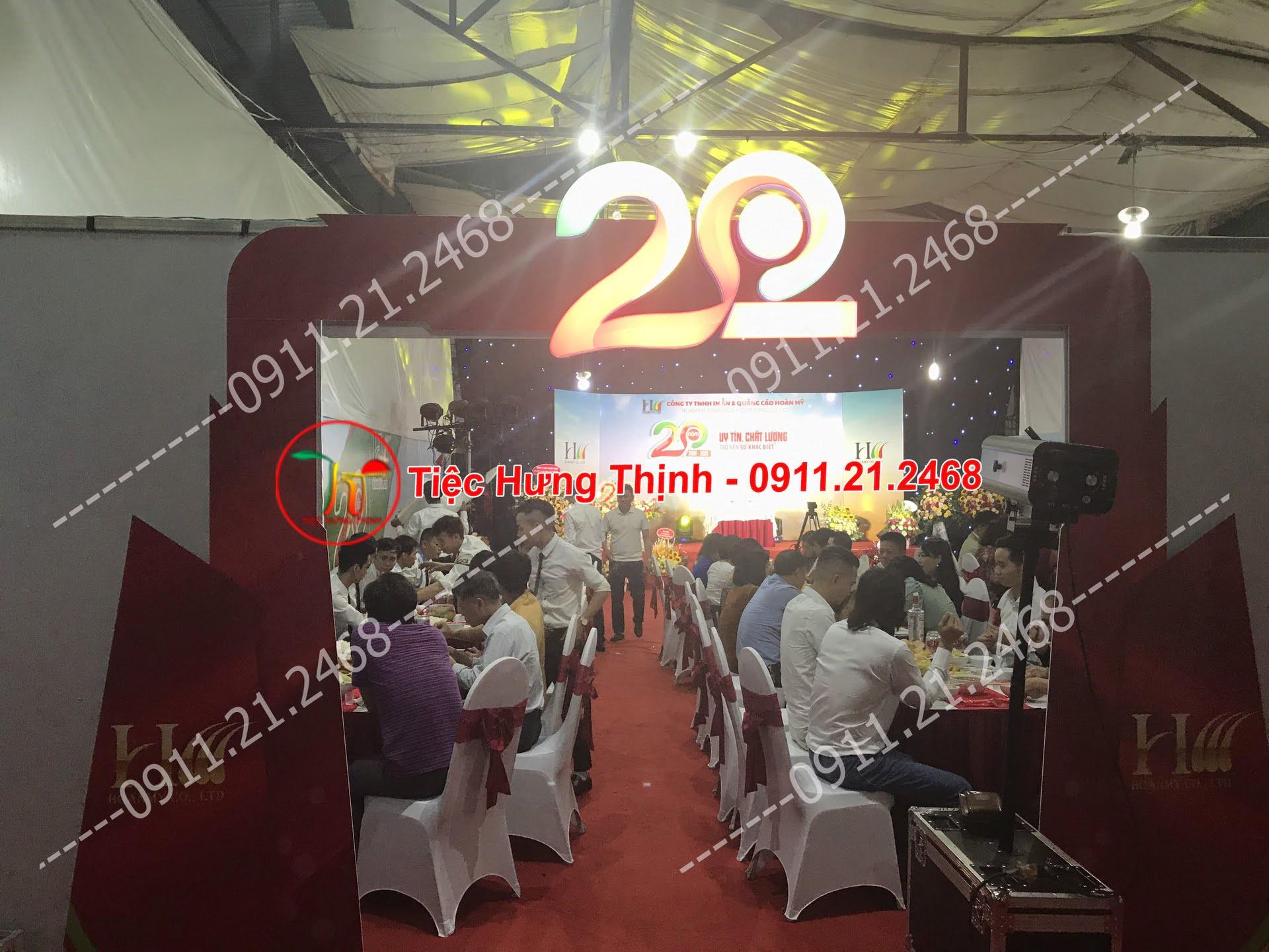 Phục vụ 12 mâm cỗ tiệc liên hoan công ty ở Đống Đa